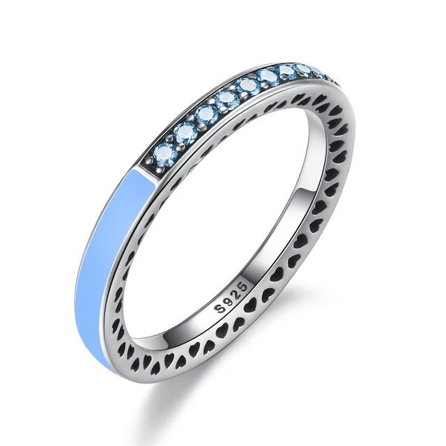Inel din argint cu Inimi Decupate si Cristale Zirconia Blue