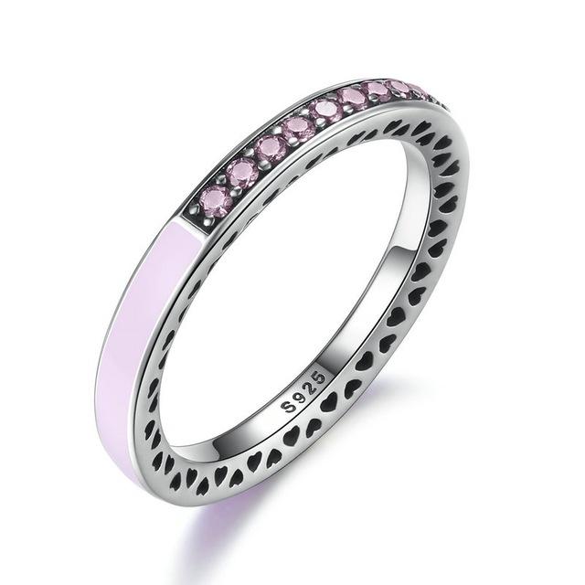 Inel din argint cu Inimi Decupate si Cristale Zirconia Roz pal